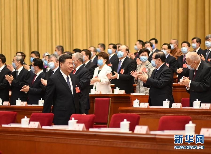 習近平出席十三屆全國人大三次會議開幕會