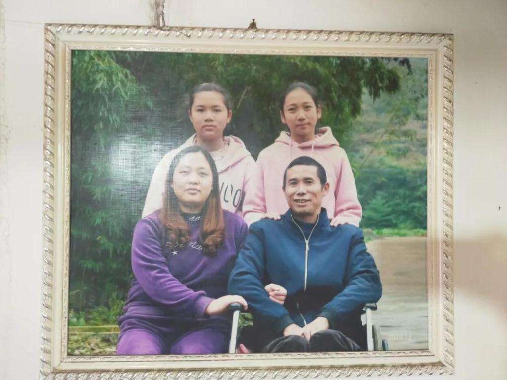 """贵州遵义红花岗区农民刘远齐:轮椅上的""""养猪达人"""""""
